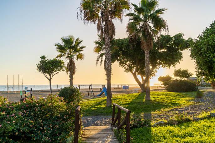 Parque infantil Playa Benajarafe-Bandera Azul